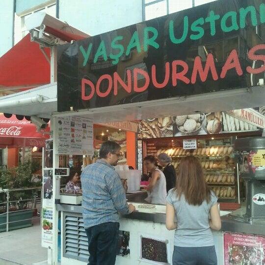 Foto tirada no(a) Dondurmacı Yaşar Usta por yeşim g. em 9/22/2012