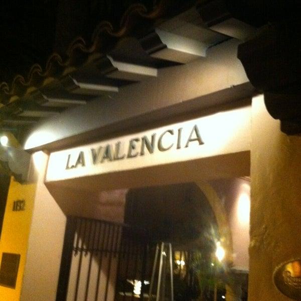 Снимок сделан в La Valencia Hotel пользователем Irv 1/21/2013