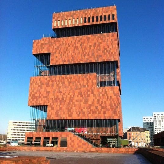 Foto tirada no(a) MAS | Museum aan de Stroom por Kenneth R. em 11/22/2012