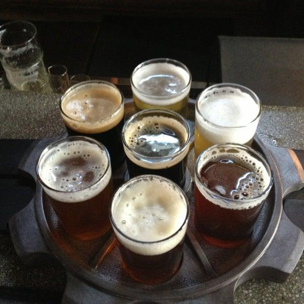 Снимок сделан в Kinetic Brewing Company пользователем Peter W. 3/3/2013