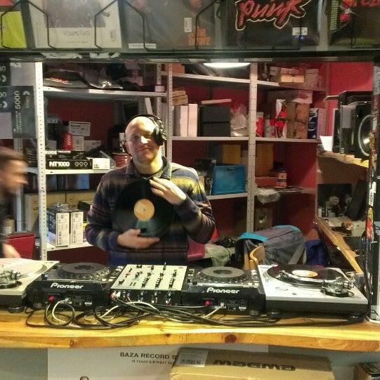 11/14/2015에 Кирилл Б.님이 Baza Record Shop에서 찍은 사진