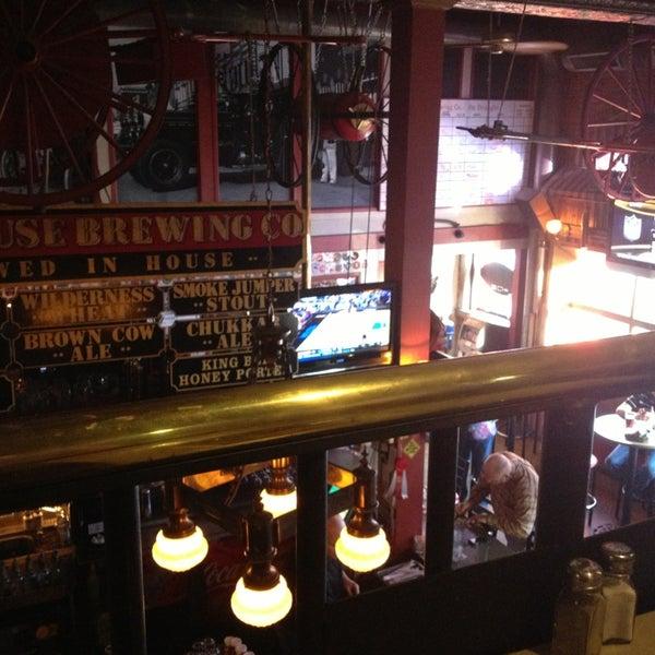 รูปภาพถ่ายที่ Firehouse Brewing Company โดย Ashley F. เมื่อ 3/30/2013