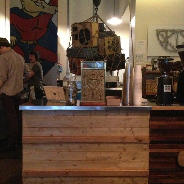 Foto tirada no(a) Bow Truss Coffee por Aaron L. em 2/27/2013