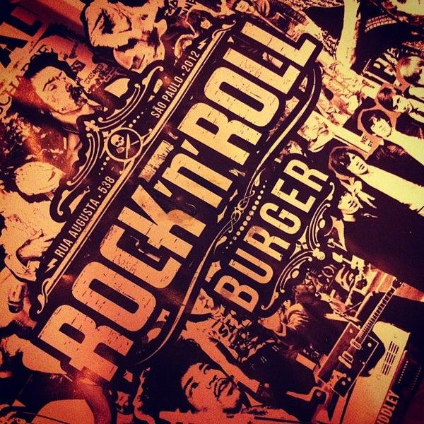 3/3/2013 tarihinde Juliane B.ziyaretçi tarafından Rock 'n' Roll Burger'de çekilen fotoğraf