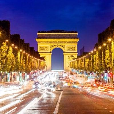 Me sentí en Champs-Élysées de verdad todo esta brutal!  ☕️🍕🍞🍰🎂🍰