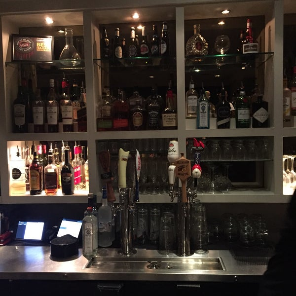 Das Foto wurde bei Campagnolo Restaurant + Bar von Hugh W. am 2/17/2018 aufgenommen