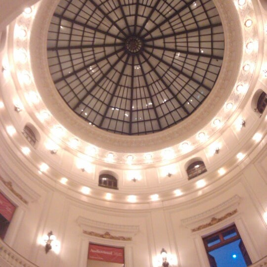 Photo taken at Centro Cultural Banco do Brasil (CCBB) by Phelipe A. on 11/24/2012