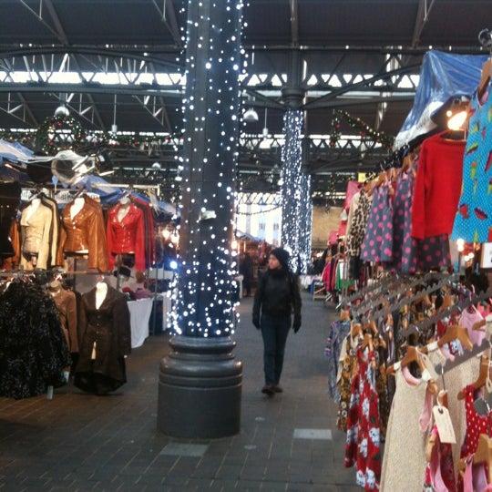 Foto tomada en Old Spitalfields Market por Paul S. el 12/3/2012
