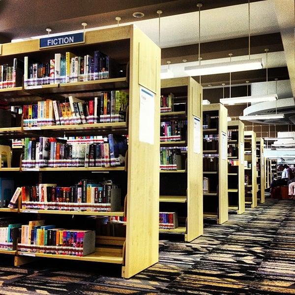 Toa Payoh Public Library - Toa Payoh - 31 подсказки(-ок)