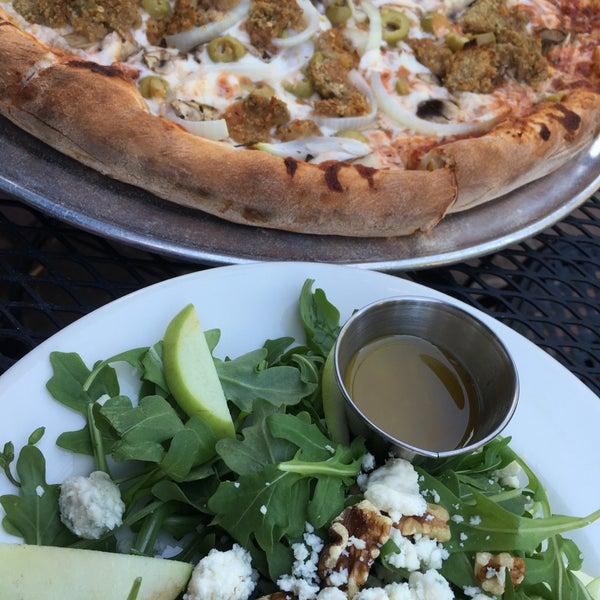 4/26/2016にMarylee V.がGrant Central Pizza & Pastaで撮った写真
