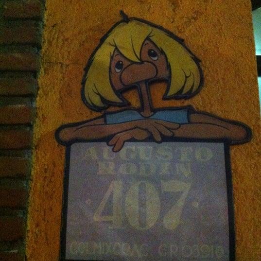 Das Foto wurde bei Tortas El Capricho von Ando am 12/14/2012 aufgenommen