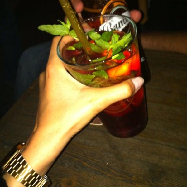 รูปภาพถ่ายที่ Sardunya's Brasserie Bomonti ve Şarap Evi โดย Irem A. เมื่อ 6/25/2013