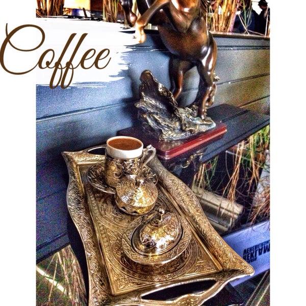 Das Foto wurde bei Social Roof FCM Cafe von Büşra K. am 3/25/2015 aufgenommen