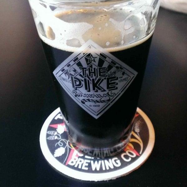 Das Foto wurde bei Pike Brewing Company von Justin D. am 7/18/2013 aufgenommen
