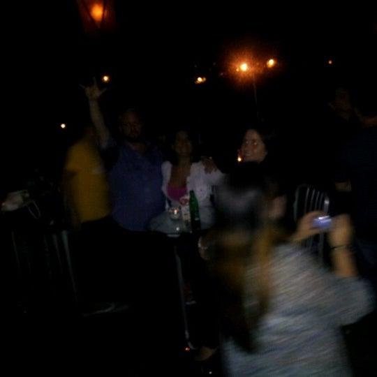 รูปภาพถ่ายที่ The Stage โดย James E. เมื่อ 8/1/2012