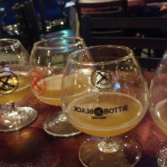 12/16/2012에 Allie R.님이 Black Bottle Brewery에서 찍은 사진