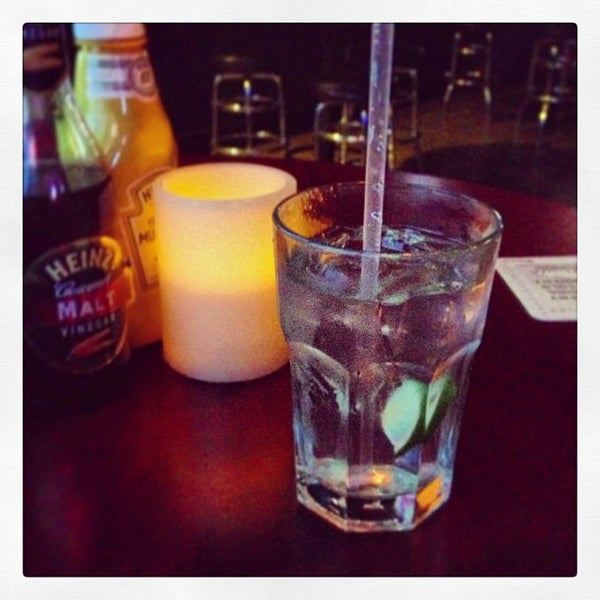 Foto tomada en Duffy's Irish Pub por Kate 🍸 E. el 3/15/2013