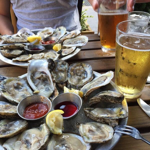 9/19/2015にEleinがBait & Hook Seafood Shackで撮った写真