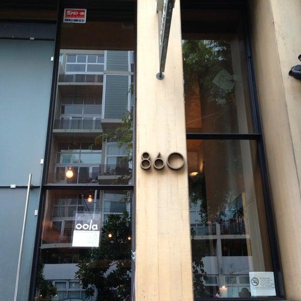 รูปภาพถ่ายที่ Oola Restaurant & Bar โดย Mallory M. เมื่อ 7/23/2013