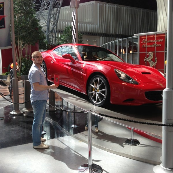 Foto tomada en Ferrari World Abu Dhabi por Ahmed el 3/1/2013