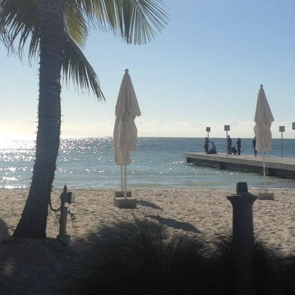 Foto tirada no(a) Southernmost Beach Cafe por Rafy R. em 12/23/2012