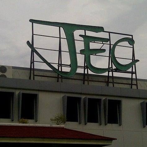Das Foto wurde bei Jogja Expo Center (JEC) von Roland L. am 6/12/2013 aufgenommen