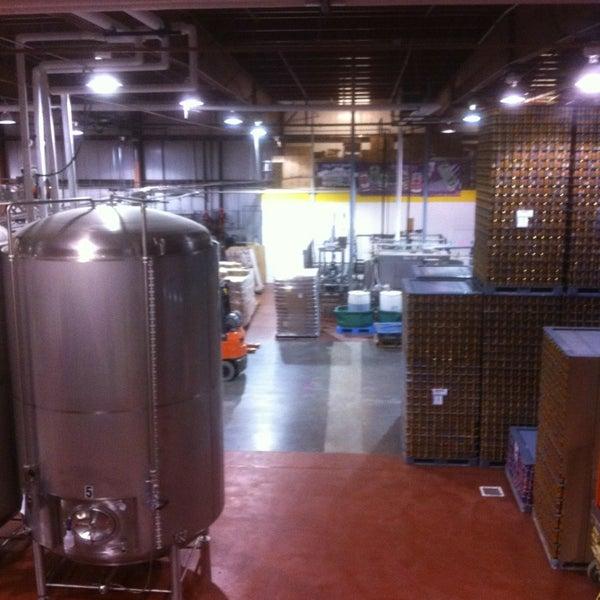 5/18/2013 tarihinde ty h.ziyaretçi tarafından Oskar Blues Brewery'de çekilen fotoğraf