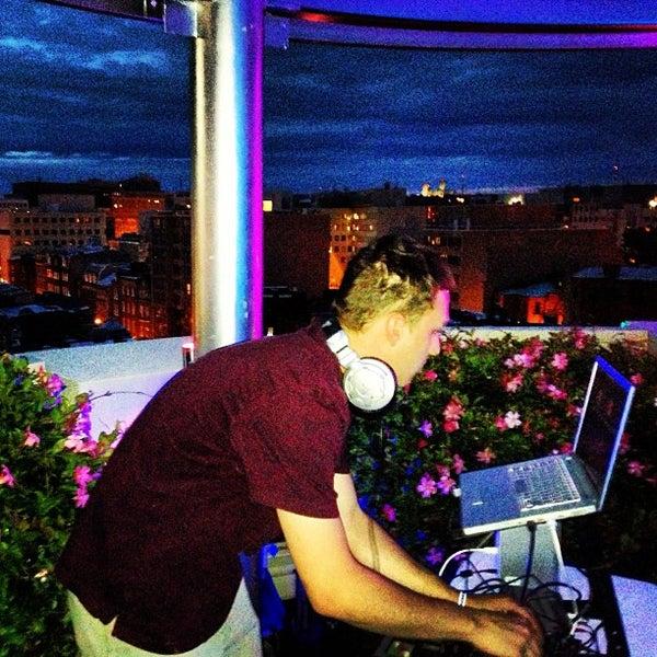 8/18/2013에 Sam A.님이 Beacon Sky Bar에서 찍은 사진