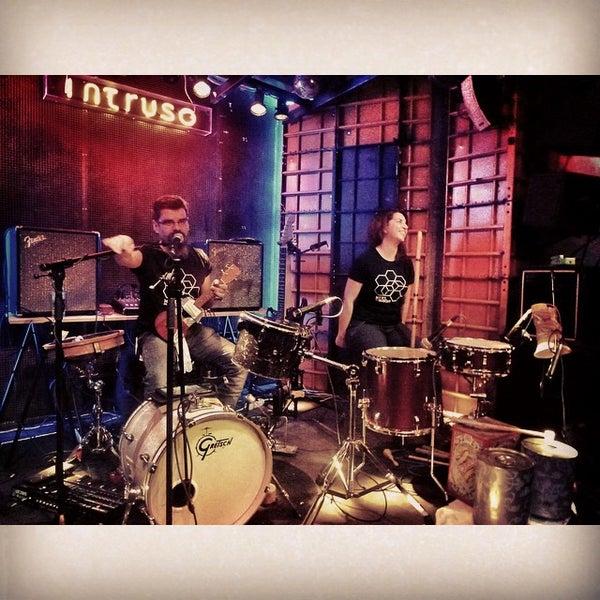 Foto diambil di El Intruso oleh Endika P. pada 11/17/2014