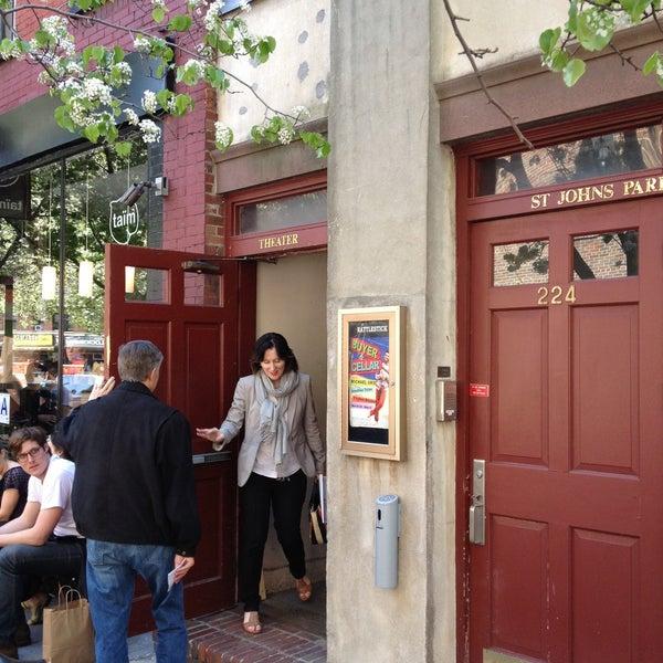 Das Foto wurde bei Rattlestick Playwrights Theater von Bruce C. am 4/27/2013 aufgenommen