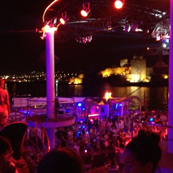 8/8/2013 tarihinde Yüksel T.ziyaretçi tarafından Club Catamaran'de çekilen fotoğraf