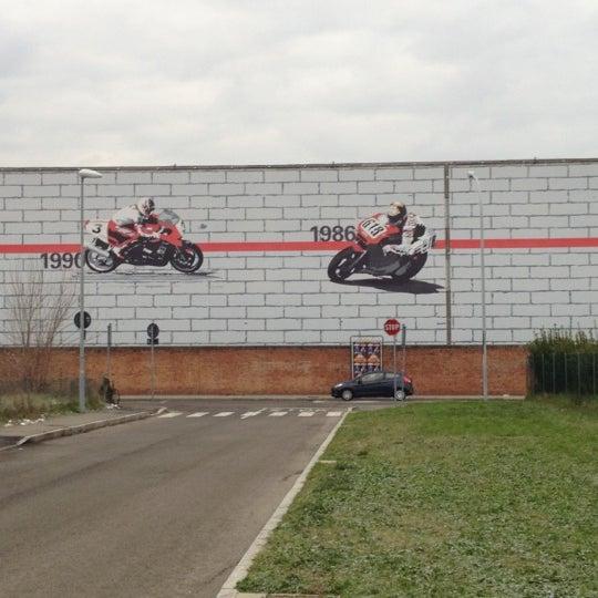 12/13/2012 tarihinde Federicoziyaretçi tarafından Ducati Motor Factory & Museum'de çekilen fotoğraf