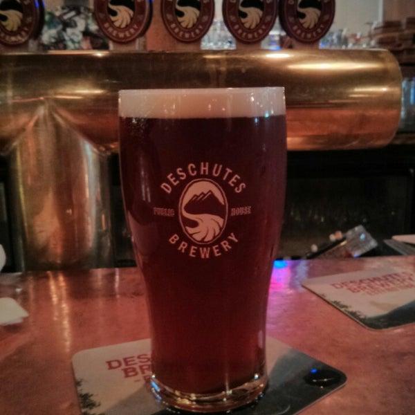 Снимок сделан в Deschutes Brewery Bend Public House пользователем Nicholas W. 7/15/2013