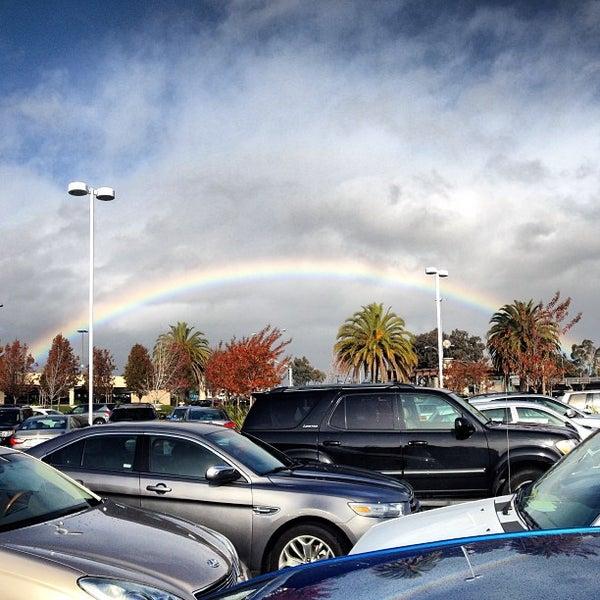 Foto tomada en Hillsdale Shopping Center por Kamel P. el 12/21/2012