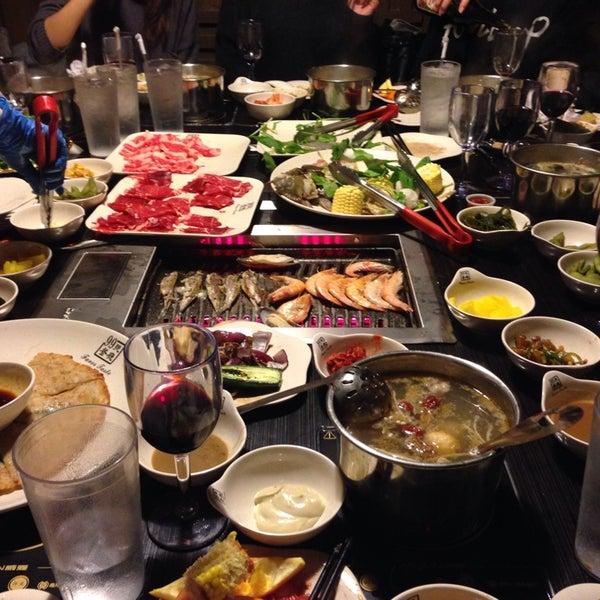 Foto diambil di 99 Favor Taste 99號餐廳 oleh EJAY J. pada 3/23/2014