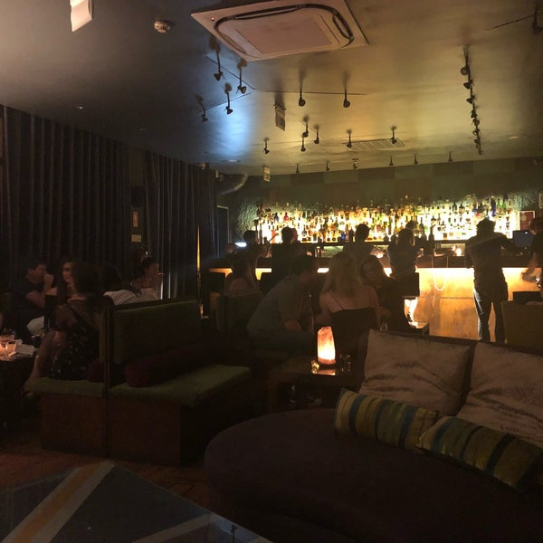 Foto scattata a CINCO Lounge da Niku il 6/28/2018