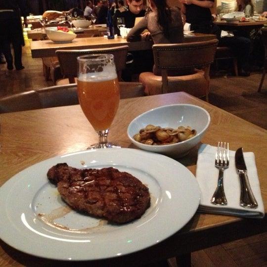 Das Foto wurde bei Мясо von Sweta am 12/8/2012 aufgenommen