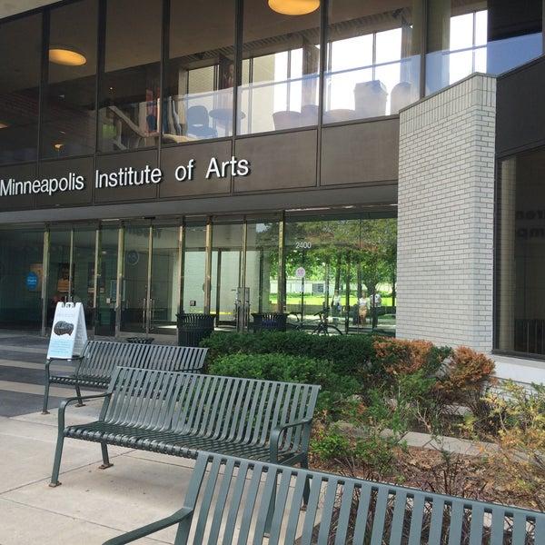 Foto tirada no(a) Minneapolis Institute of Art por Laura J. em 6/4/2015