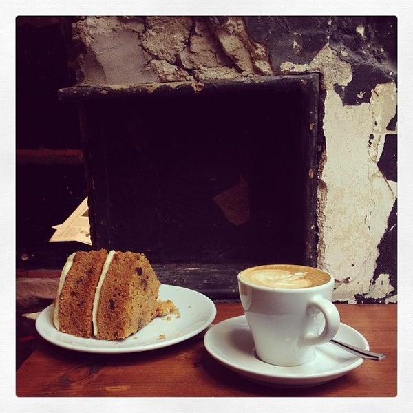 Foto diambil di Brew Lab Coffee oleh Álvaro M. pada 10/11/2013
