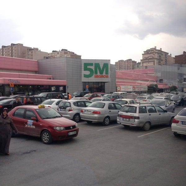 Das Foto wurde bei Beylikdüzü Migros AVM von ahmet s. am 3/23/2013 aufgenommen