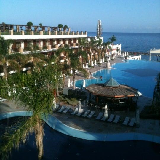 รูปภาพถ่ายที่ Cratos Premium Hotel & Casino โดย DENIZ M. เมื่อ 11/3/2012