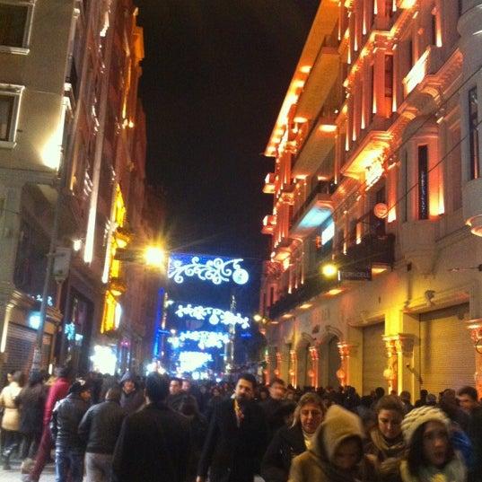 Foto scattata a Demirören İstiklal da Irfan E. il 12/15/2012