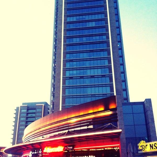 Das Foto wurde bei Tepe Prime Avenue von Zehra Ö. am 6/29/2013 aufgenommen