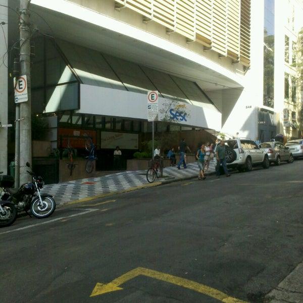 รูปภาพถ่ายที่ Sesc Consolação โดย Alexandre O. เมื่อ 5/4/2013