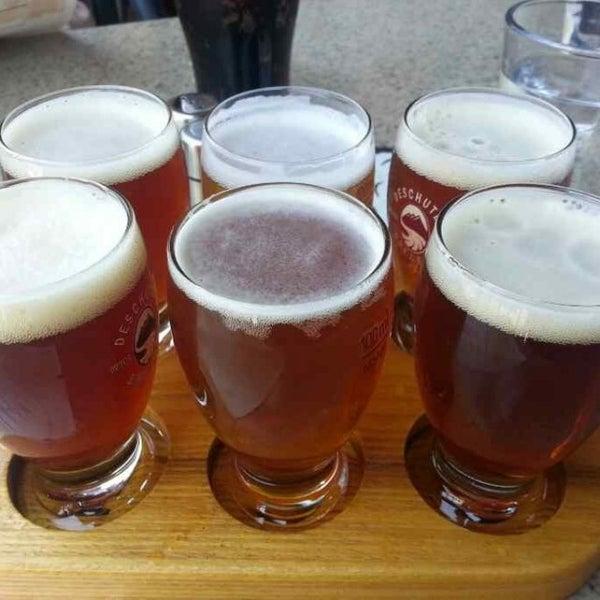 Снимок сделан в Deschutes Brewery Bend Public House пользователем Tony 8/12/2013