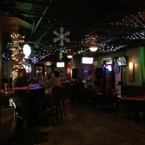 Foto tirada no(a) Teak Neighborhood Grill por Paige R. em 12/21/2012