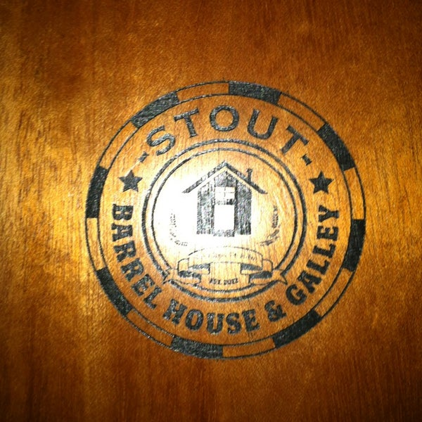 Foto diambil di Stout Barrel House and Galley oleh Rachel pada 12/20/2012