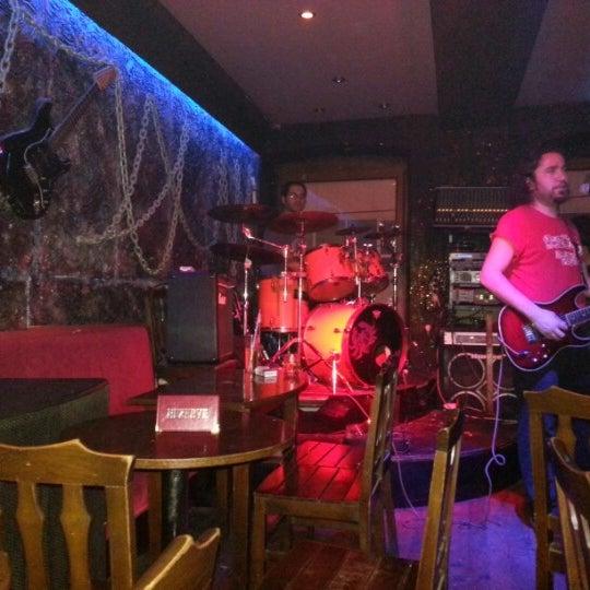 9/30/2012 tarihinde A M.ziyaretçi tarafından Dorock Heavy Metal Club'de çekilen fotoğraf