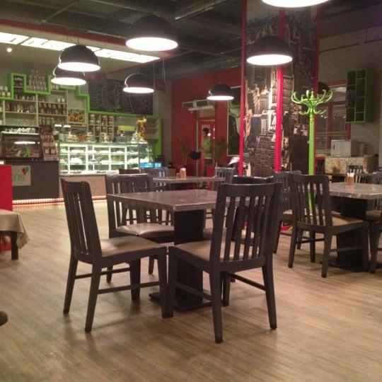 Foto tomada en Soho Green's por Şeydanur🎨✌️ el 10/31/2012