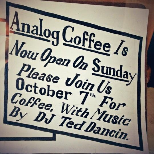 10/7/2012 tarihinde Danielziyaretçi tarafından Analog Coffee'de çekilen fotoğraf